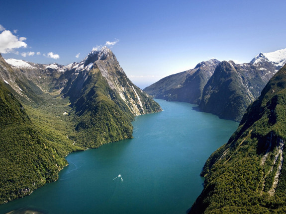 Milford Sound, Fjordland National Park, New Zealand