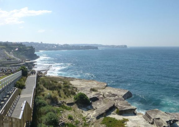 Walk from Bondi beach to Coogee beach
