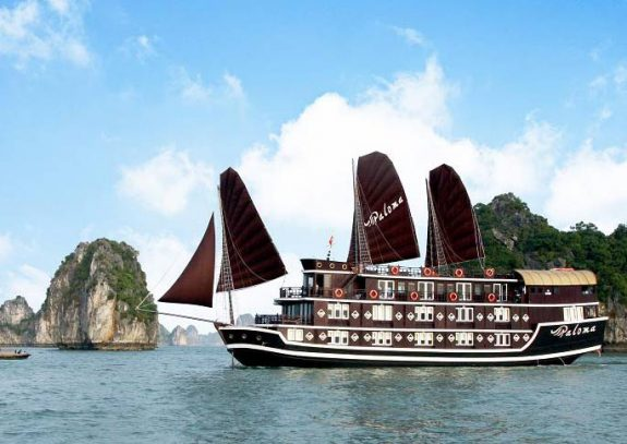 Cruising through Vietnam's Hạ Long Bay